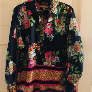 Floral boarder print Top by Ellen Tracey.